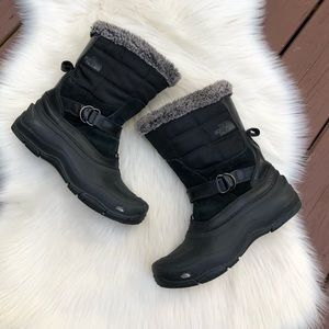 Black North Face Women's Insulated Snow Boots